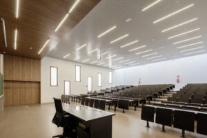 روشنایی مناسب در کلاس درس